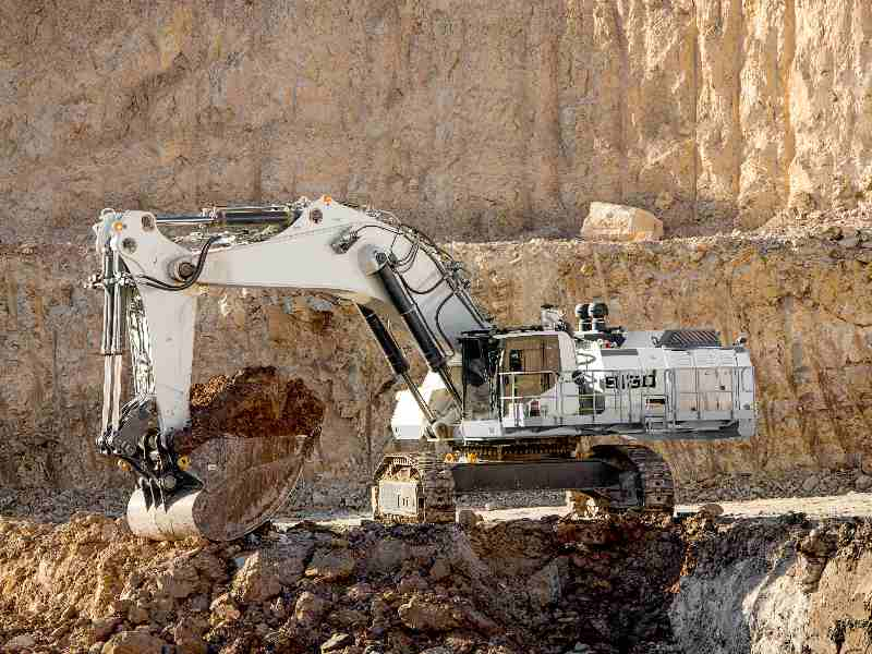 Liebherr: B-versions of the R 9100 and R 9150 reduce cost per ton